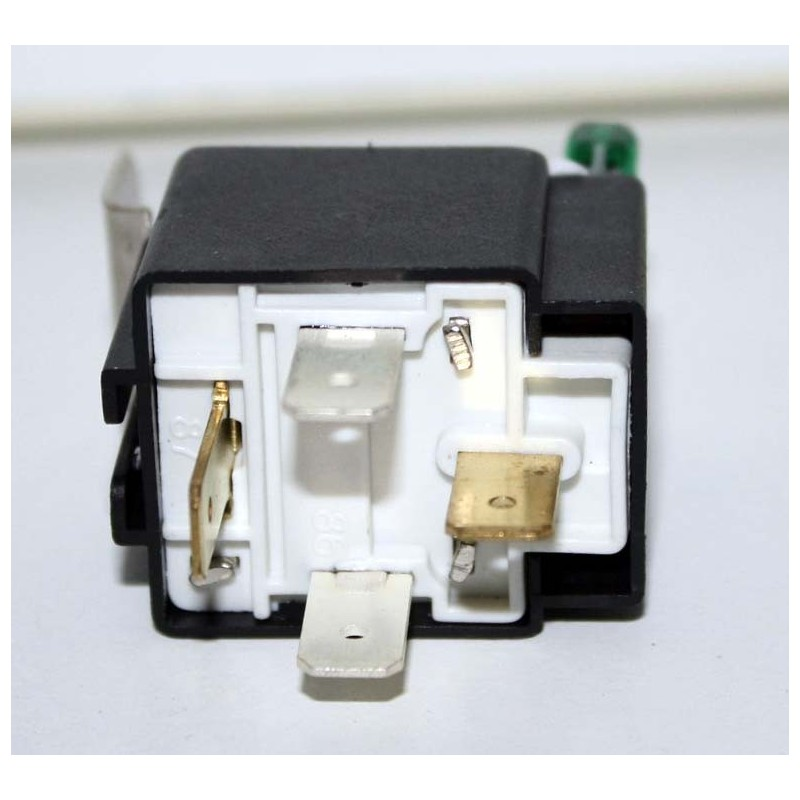 relais 12v 30a porte fusible 30a regenebatt. Black Bedroom Furniture Sets. Home Design Ideas
